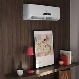 Ar Condicionado Electrolux Hi-Wall Split Inverter 9000 Btus Quente e Frio 220V